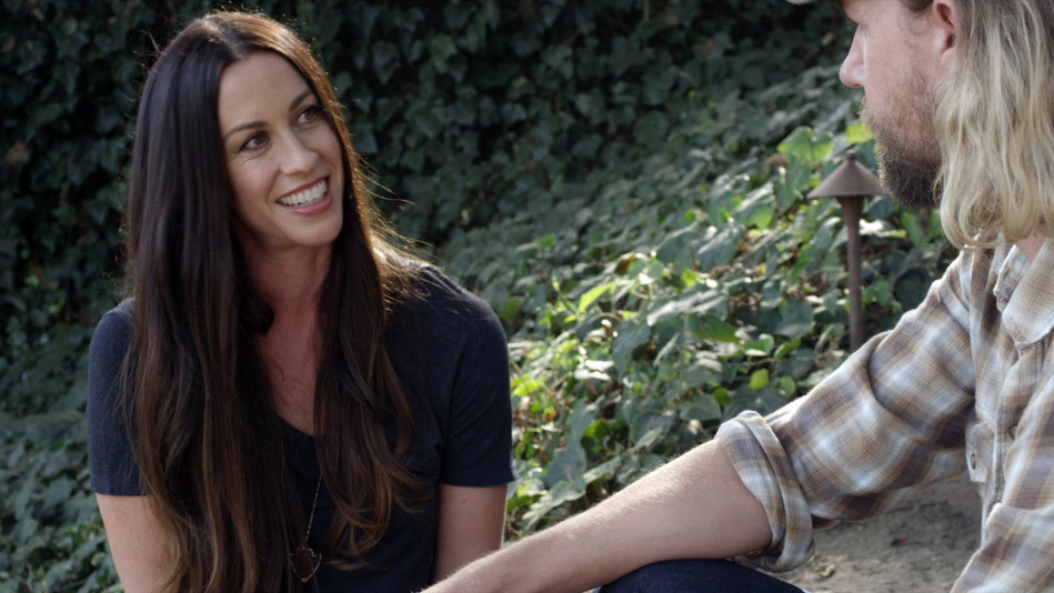 "Alanis Morissette: Fame ""Amplified"" My Insecurities - Video"