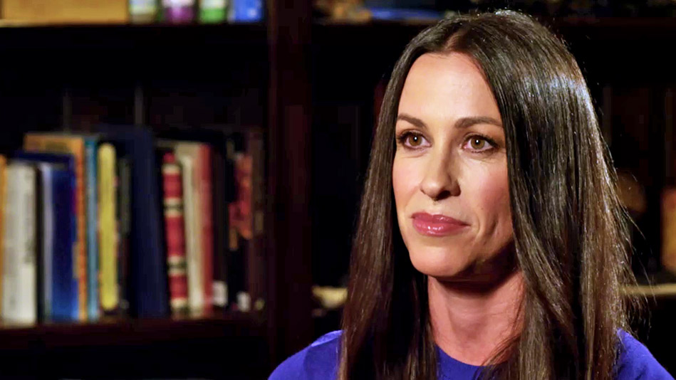 Alanis Morissette On Battling Postpartum Depression - Video