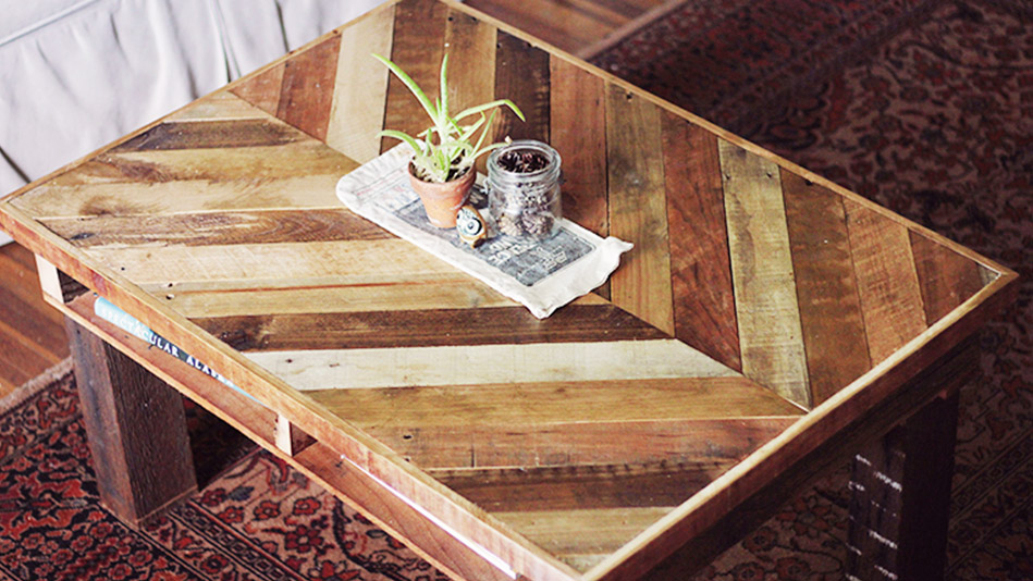 Chevron Pallet Coffee Table wood pallet projects