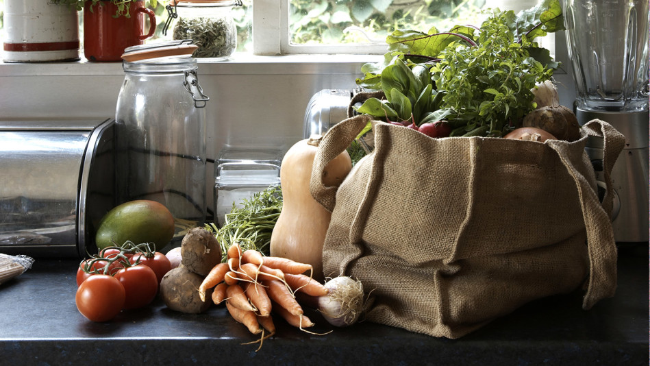 5 Things Nutritionists Do After Vacation