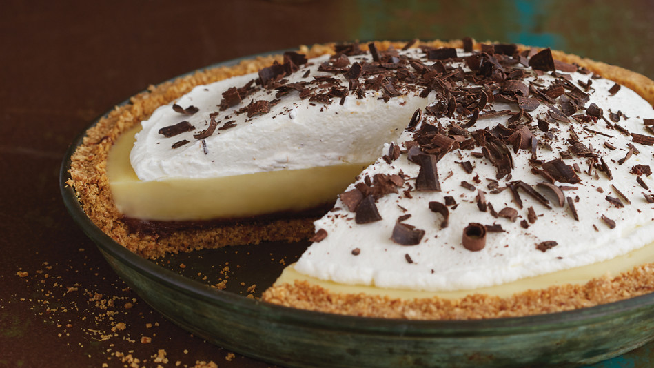 Banana Cream Pie with a Pretzel Crust