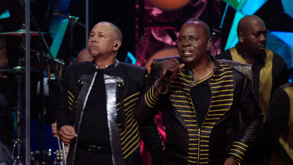 "Earth, Wind & Fire Perform Their Smash Hit ""Shining Star"""