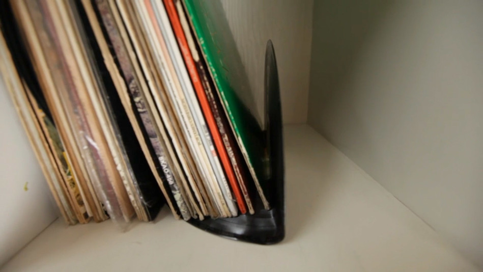 Create a Classic Look with Vinyl Record Bookends