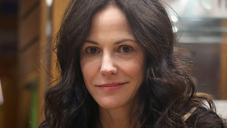 does mary louise parker have a sister