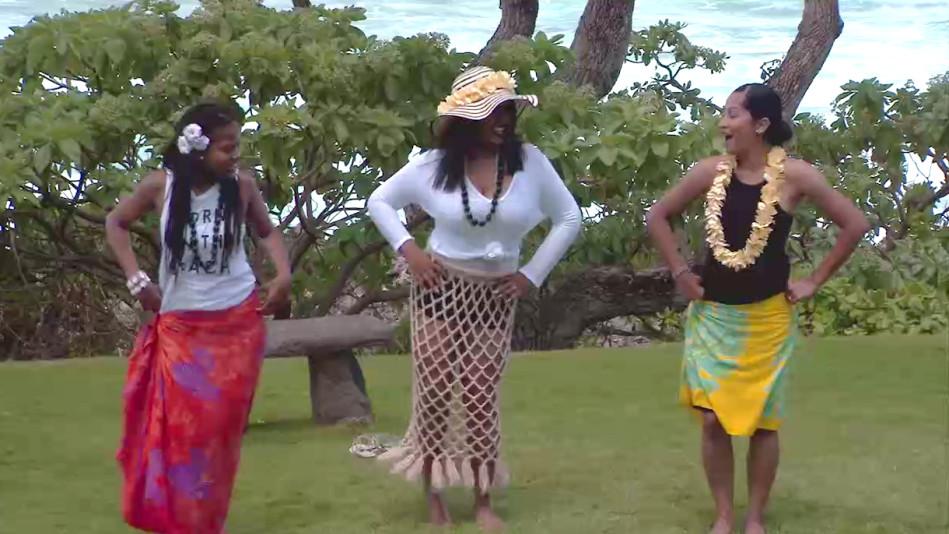 Shanice and Imani Learn to Hula in Hawaii