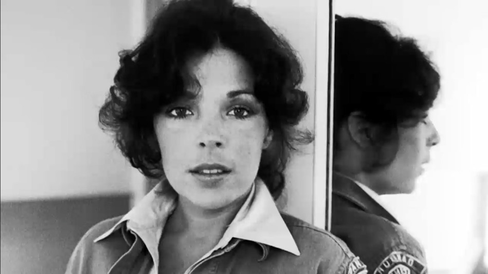 Carole Bayer Sager on Being in Therapy Since Age 21 - Video