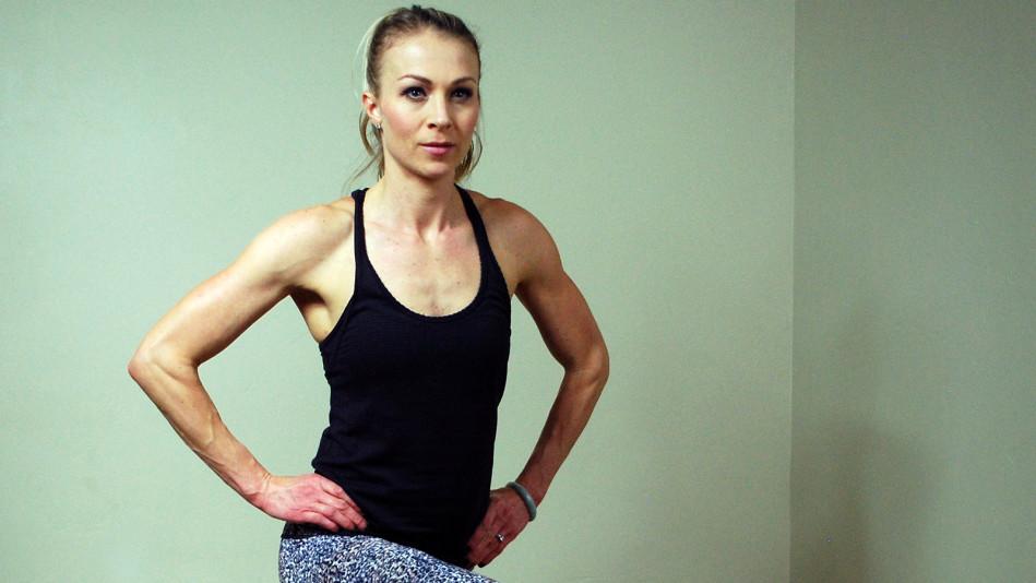 Elyse Miller ab exercises