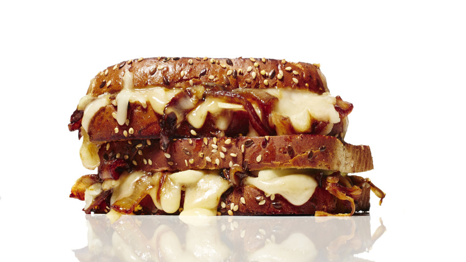 Gouda Cheese with Balsamic, Onion and Pear Recipe