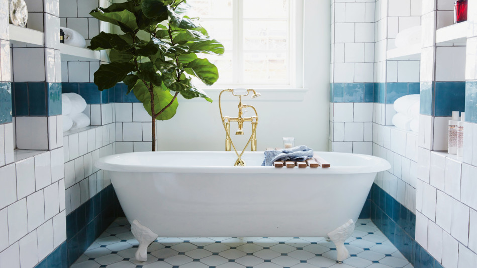 6 Bathroom Decorating Ideas from the World's Chicest Hotels