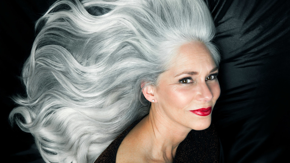 10 Photos That Show How Beautiful Gray Hair Really Is