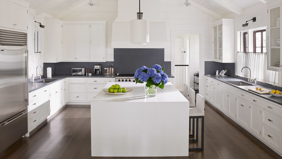 5 Brilliant White Kitchen Decorating Ideas