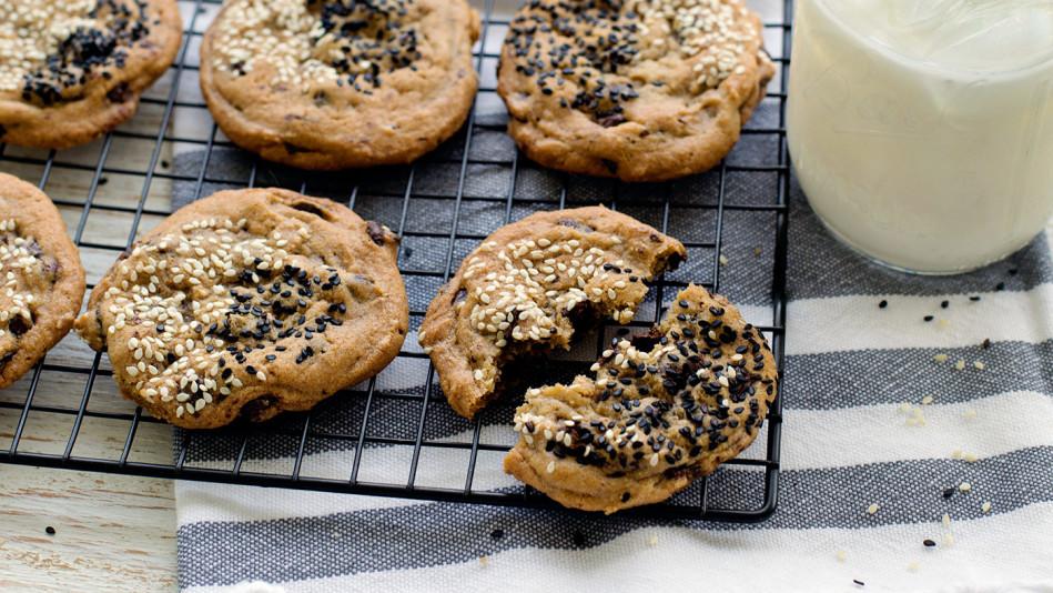 Sesame Sea Salt and Dark Chocolate Cookies Recipe