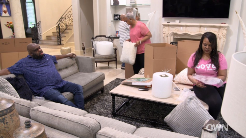 John And Aventer Pack Up Their House