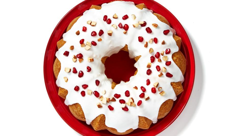 Jingle Bell Bundt Cake
