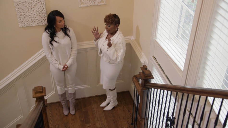 Iyanla: Climb out of the 'Valley Of Other People's Problems'