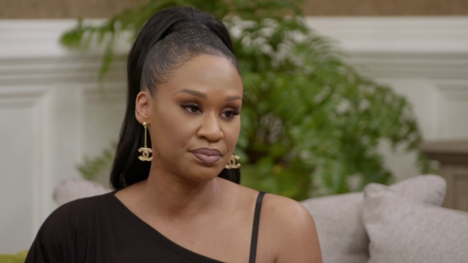 Iyanla Tells The Boss Babes What They're Missing in Relationships