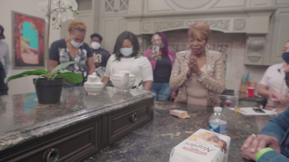 Iyanla Shares a Prayer On The Final Day of Filming