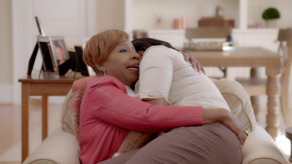Digital Exclusive: Iyanla on the Power Of a Hug