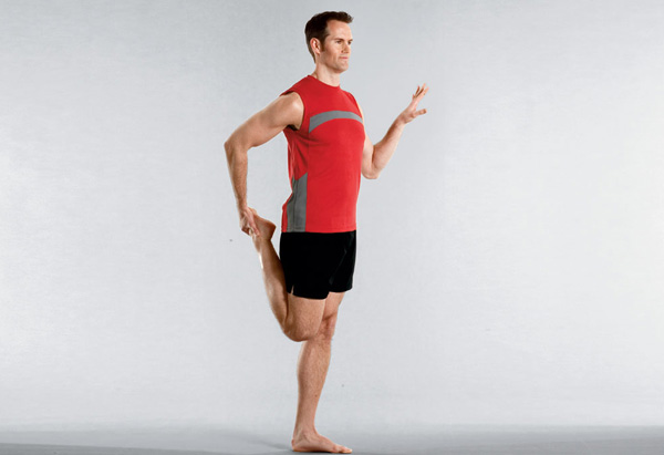Joel Harper demos the nice thighs exercise.