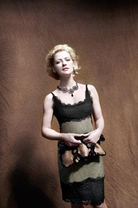 Gretchen Mol in Diane von Furstenberg