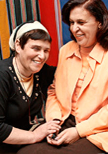 Sue Freedman with Makarem Awad in the Israeli/Palestinian weight loss group