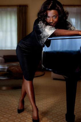 Viola Davis in Reem Acra
