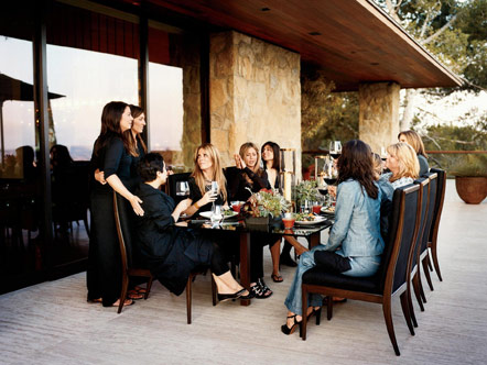 Jennifer Aniston hosting friends for a dinner party