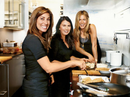 Jill and Jewels Elmore and Jennifer Aniston in the kitchen