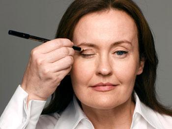 Dot bronzer on eyelids