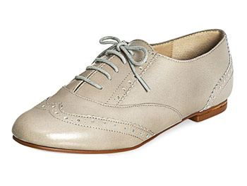 Steve Madden taupe wingtips