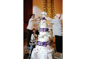 Ron Ben Israel making O's 10th anniversary cake