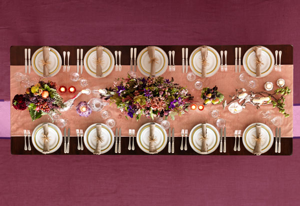 lovely pink and burgundy tablesetting