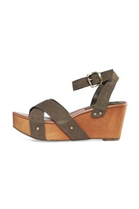 Banana Republic wood and leather platform sandals