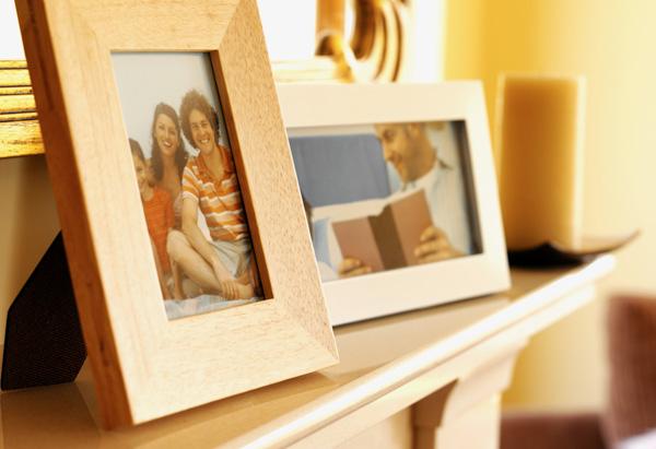 Family photos on a shelf