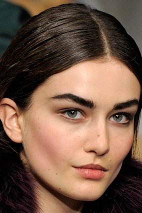 Bold brows - Oscar de la Renta
