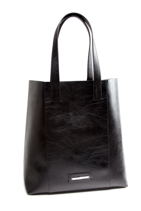 The Limited Simple Tote in Black