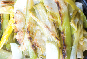Gruyere-Crusted Leeks and Apples