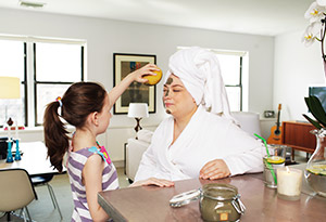 mother and daughter at-home spa