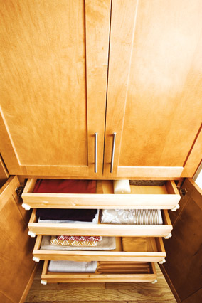 Drawers of varied sizes