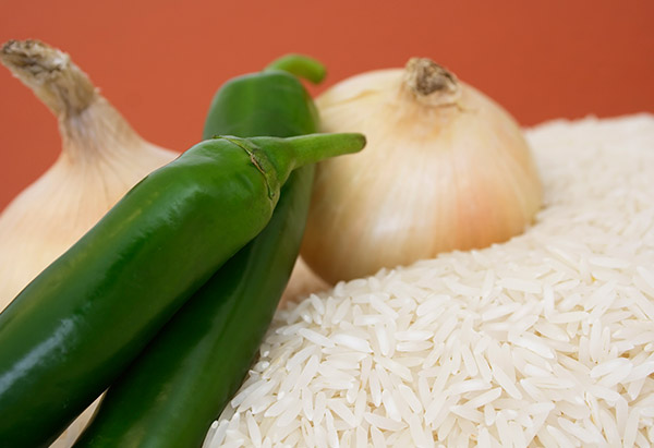 Whole chilies, onions and rice