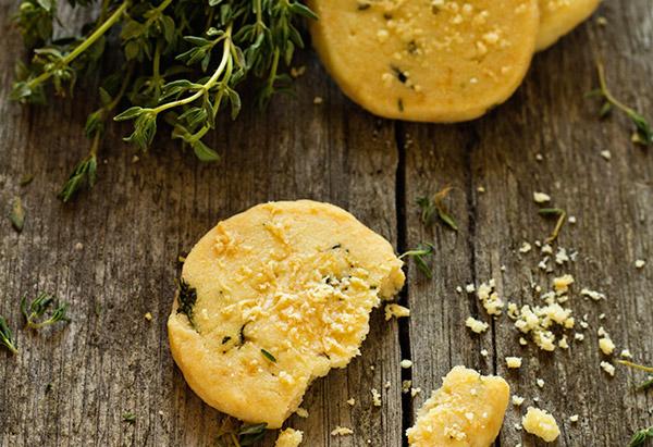 Lemon Pepper Parmesan Crackers