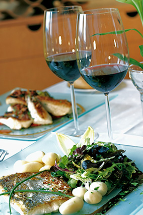 Fish with red wine