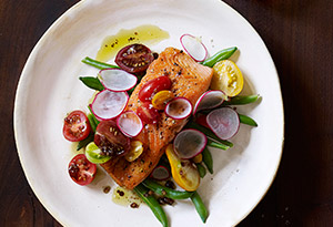 Seared Salmon with Green Bean Salad and Balsamic Vinaigrette