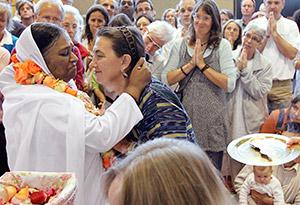Amma hugging guru
