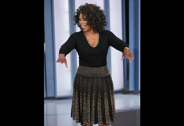 Oprah in Naeem Kahn Skirt and Sweater