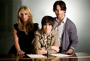 Diane Warren (center) with Due Voci (Kelly Levesque and Tyler Hamilton)