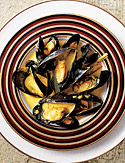 Curried Mussels in Coconut-Milk Broth with Lemongrass