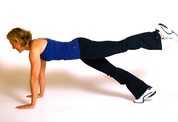 Andrea Metcalf demonstrates the plank three-count combo.