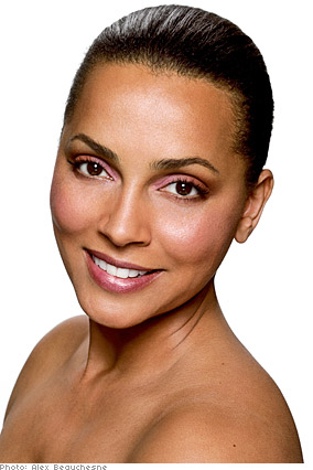 Gordon Espinet suggests pink eyeshadow for women with tawny complexions.