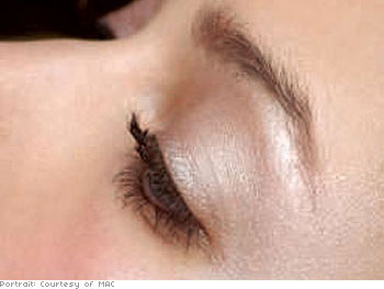 Silver-fawn eyeshadow